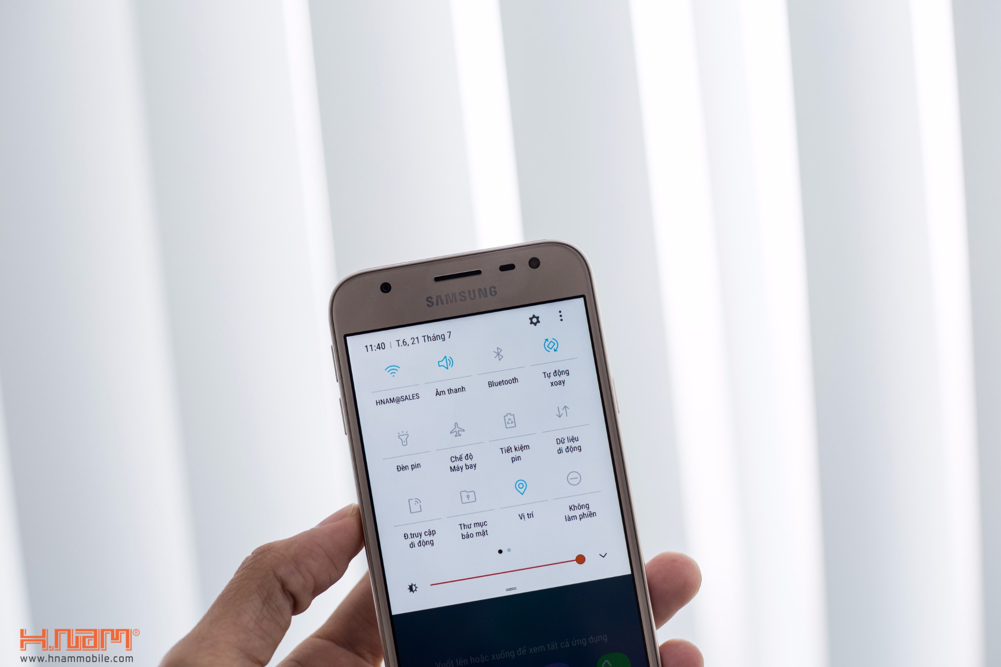 Đập hộp Samsung Galaxy J3 Pro: giá hơn 4 triệu đồng, camera F/1.9 hình 12