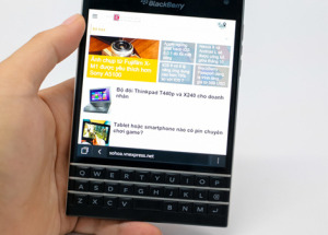 http://www.hnammobile.com/uploads/news/200-000-blackberry-passport-duoc-ban-trong-2-ngay--.jpg