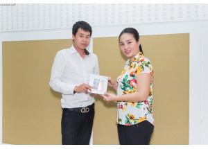 Hnam Mobile trao giải hoàn 100% tiền mặt chương trình