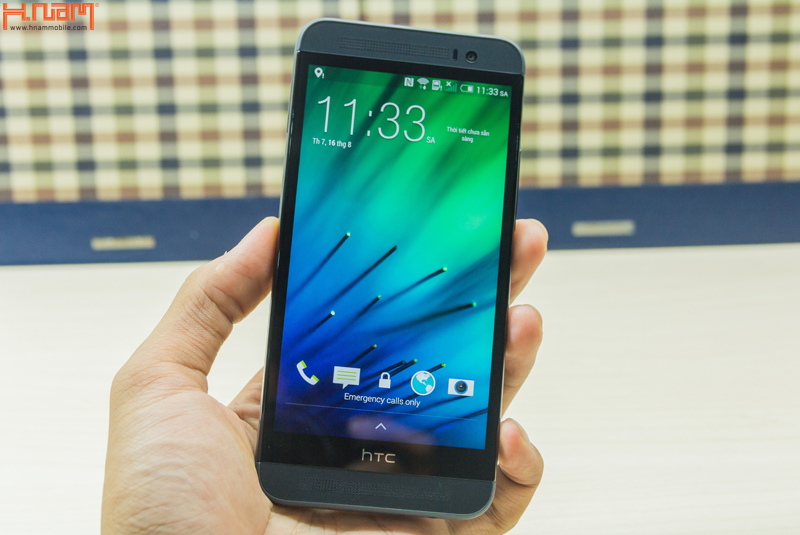 Khui hộp HTC One E8 tại Hnam Mobile